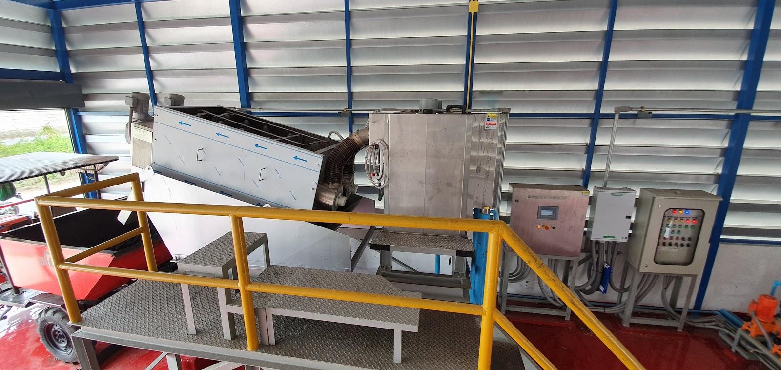 ภาพของตัวเครื่อง Screw Press